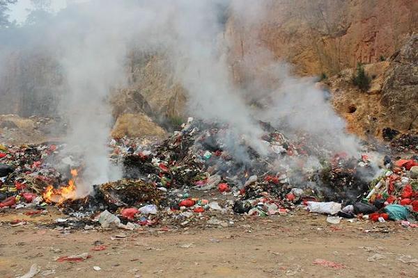 垃圾燃烧二次污染